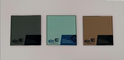 Grijs Groen Brons gekleurd glas