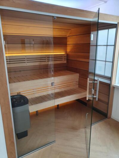 Glazen deur voor sauna